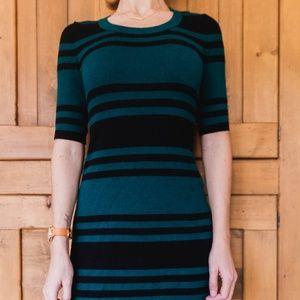 Dresses & Skirts - Black & Green 3/4 Sleeve Knit Dress